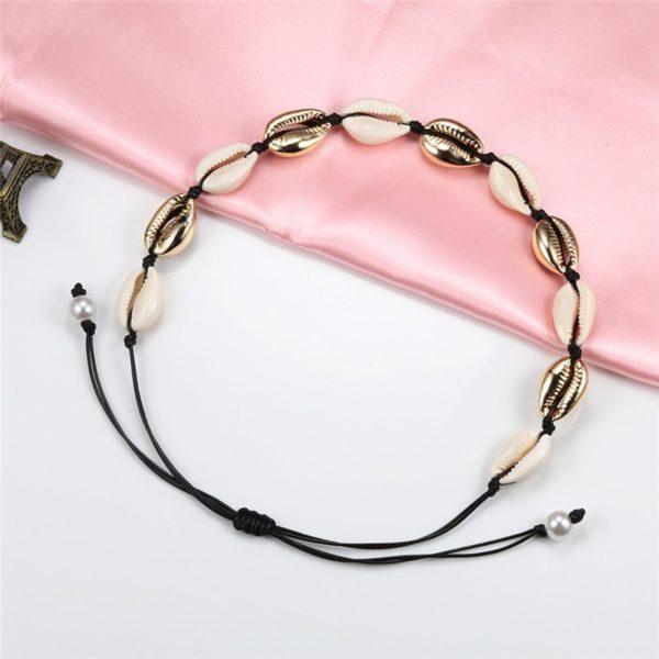 Módní dámský přírodní náhrdelník z malých bílých mušliček